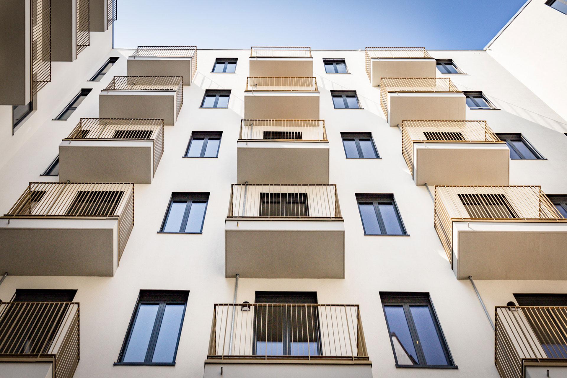 Fenster von Gebäude B